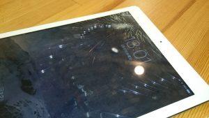 iPadAir ガラス割れ